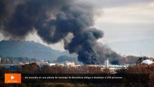 incendio en planta de reciclaje en barcelona